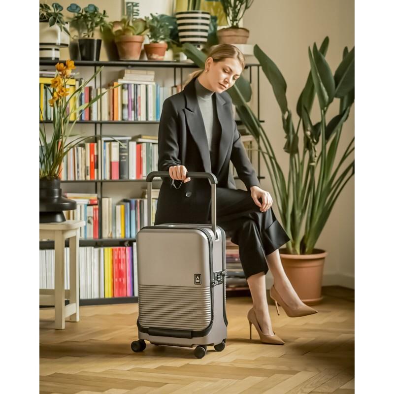 """意大利品牌 APPERCASE SPLIT LIGHT 行李箱-20""""-顏色: Titanium ( 鈦金屬色 ) -01-55-02-0001 ( 優惠期內送 10000mAh 外置充電器、 「Ensure Guard」 20ml 納米塗層、「SYSTEMA」系列的收納袋 , 送完即止 )"""
